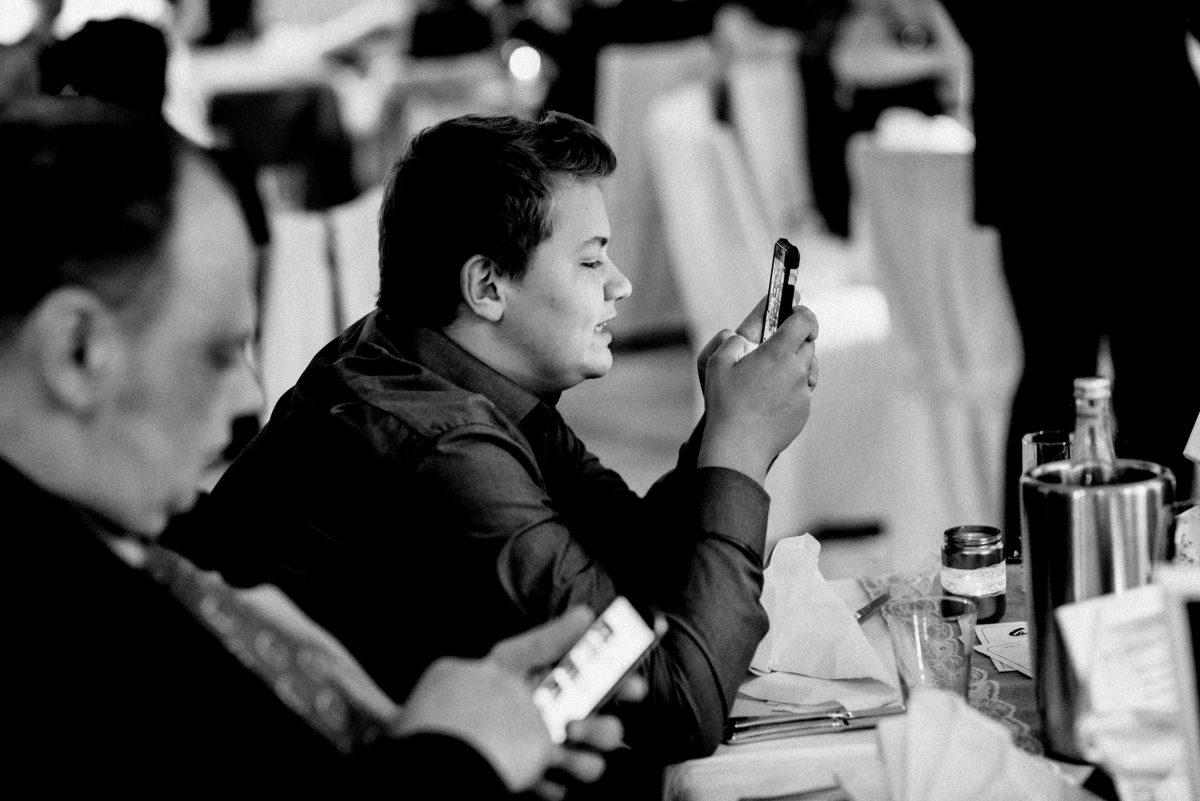 Hochzeitsfeier Handy Internet
