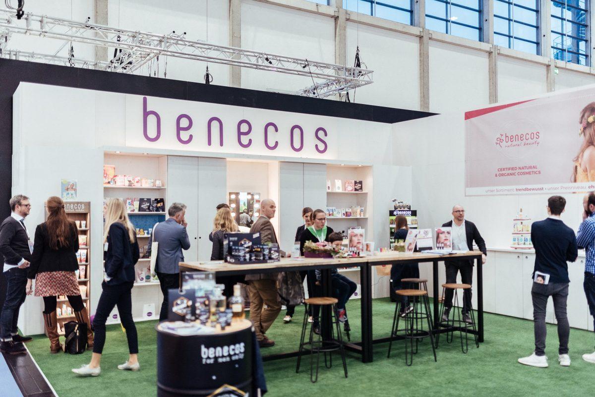 benecos Stand Messe Besucher