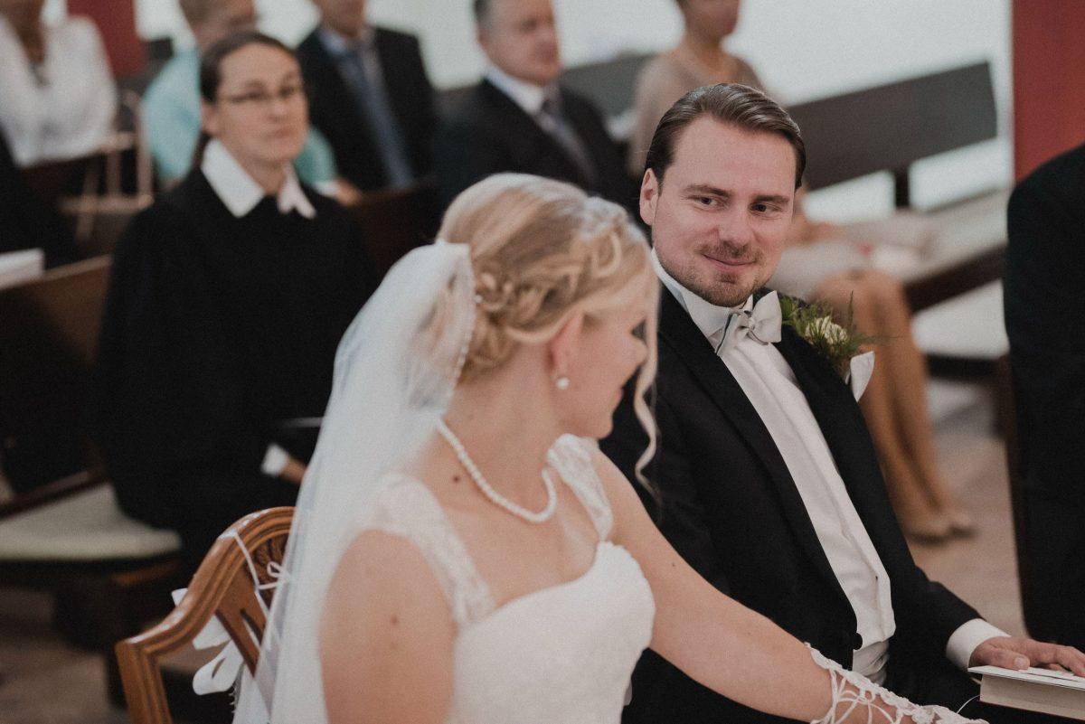 vertrautes lächeln berührung Schleier wedding