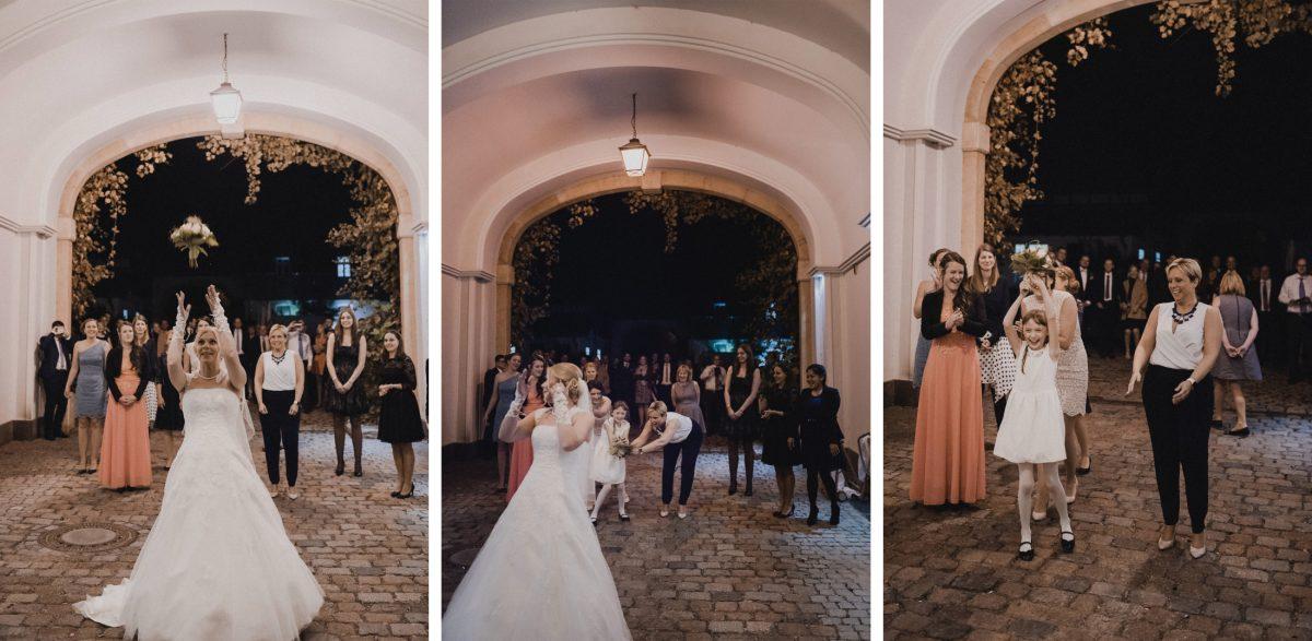 Brautstrauss werfen fangen Single Damen Hof