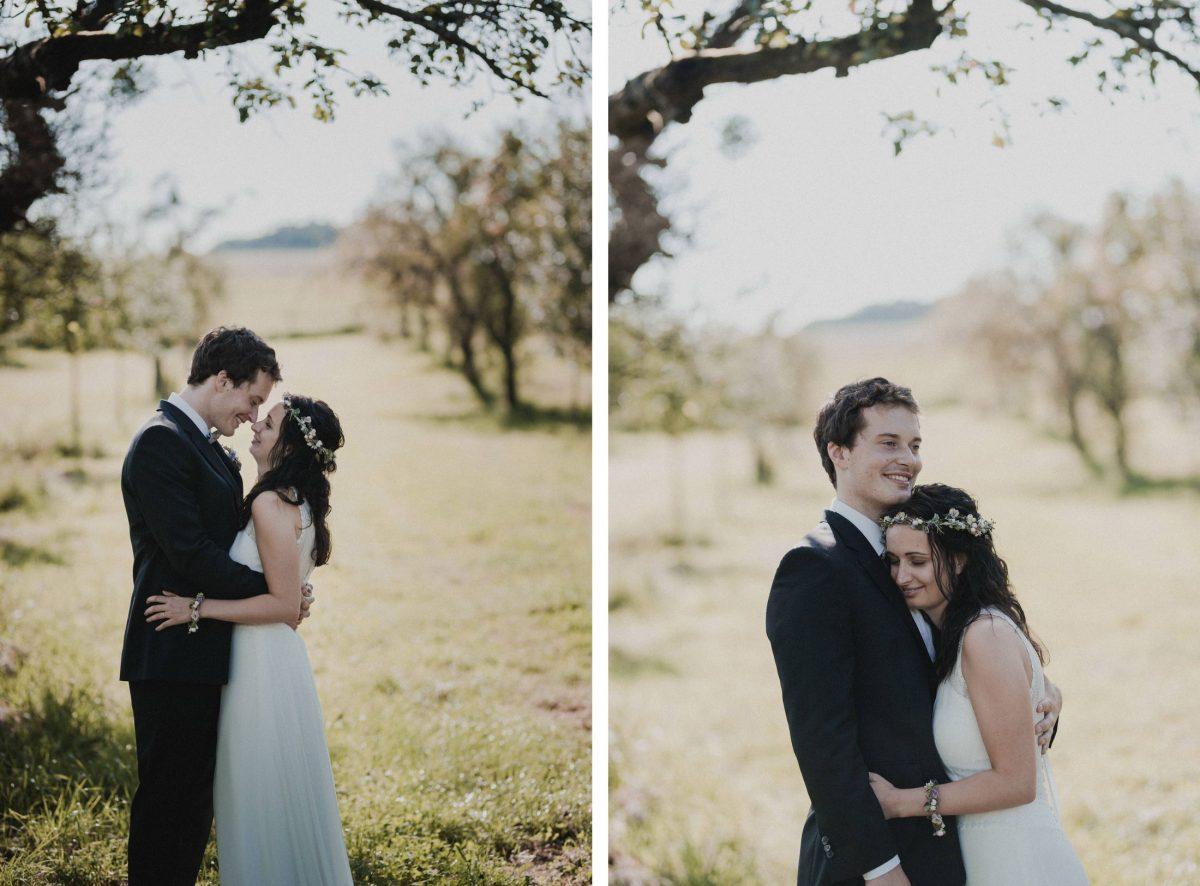 Paarshooting Hochzeit Bäume Wiese