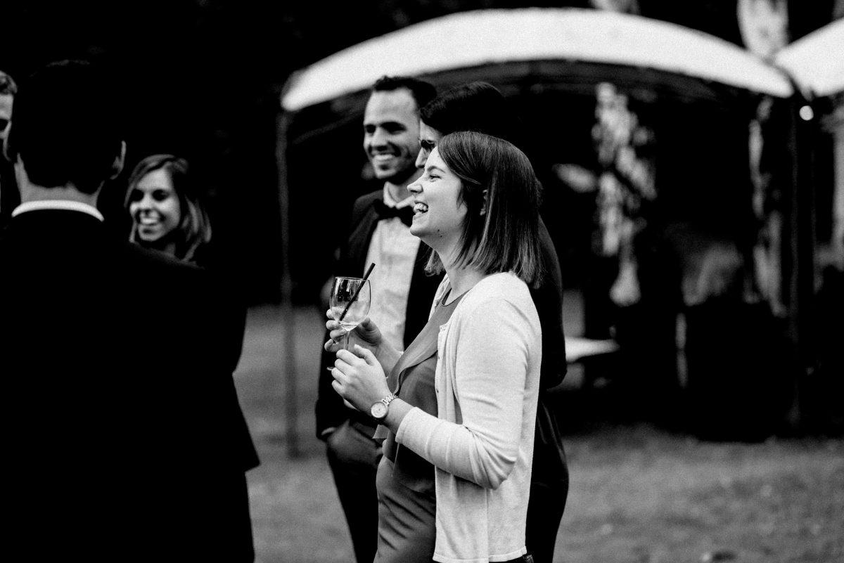 Weinglas fröhliche Stimmung Pavillion