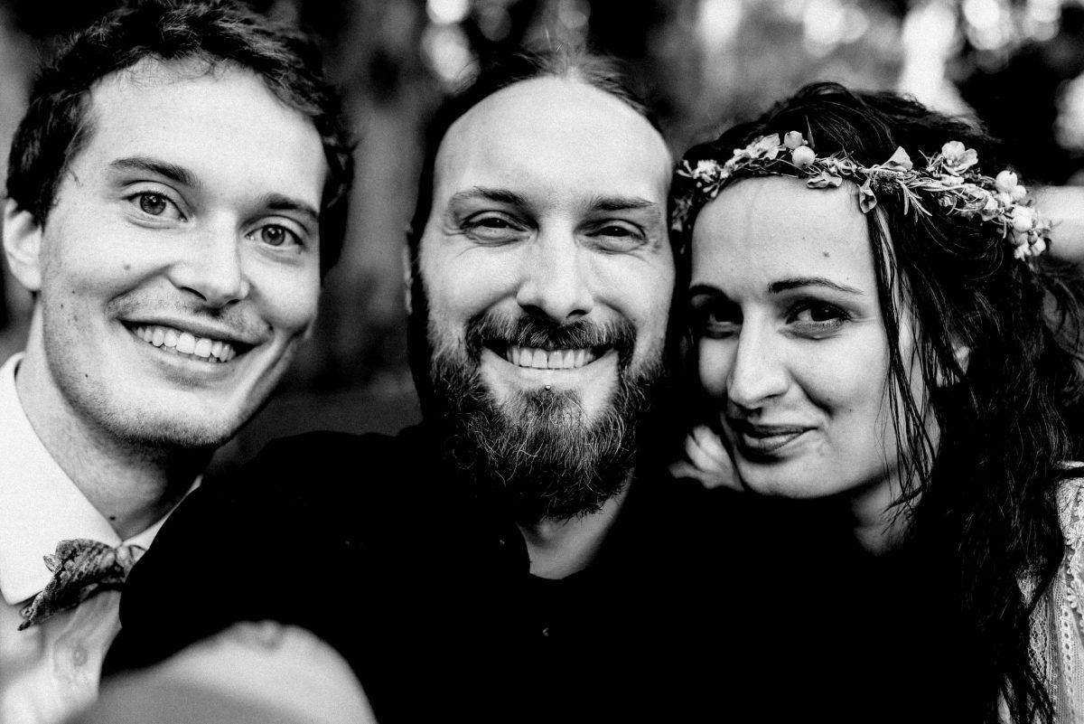 Timo Raab Selfie mit Brautpaar