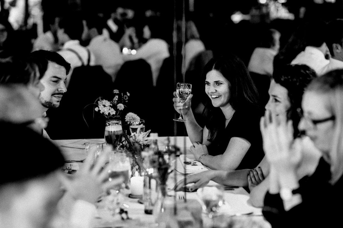 Sitzgruppe Hochzeitsfeier Blumen Tisch