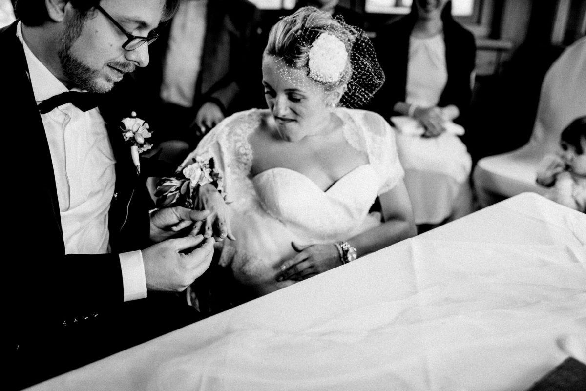 Ringübergabe,Eheringe,Braut,Hände,