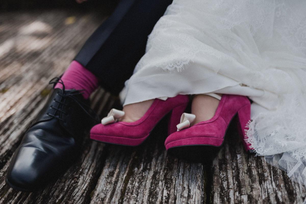 Füße,Schuhe,rosa,Socken,Schleifen,Brautkleid