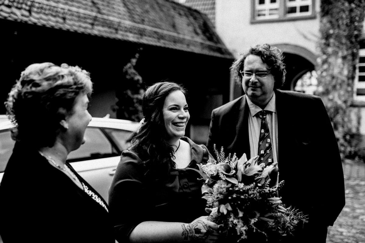 Brautempfang,Strauß,lachen,freude,Standesamt