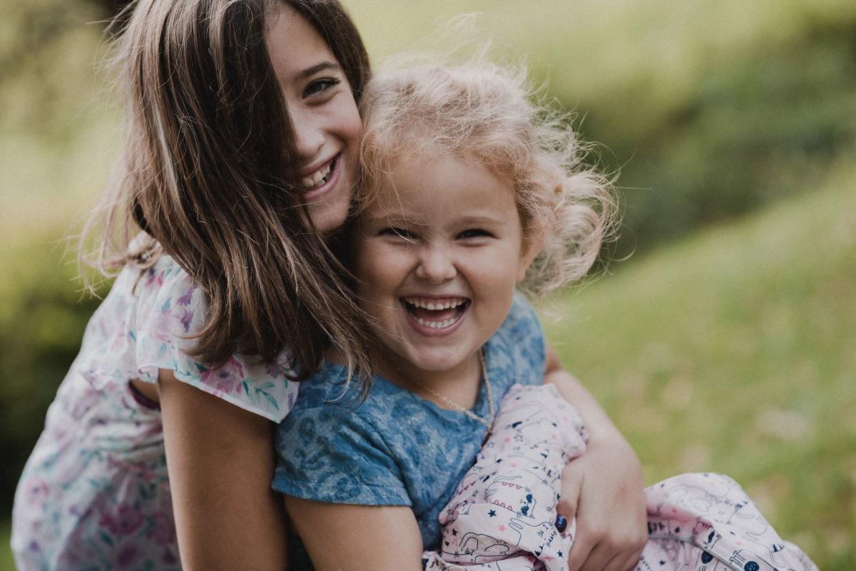 Kinder,Mädchen,lachen,Locken