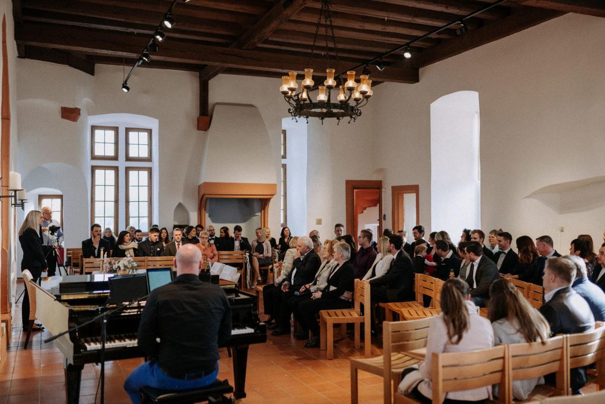 Standesamt Alzenau,Burg,Trauung,Klavier,Gäste,Kronleuchter