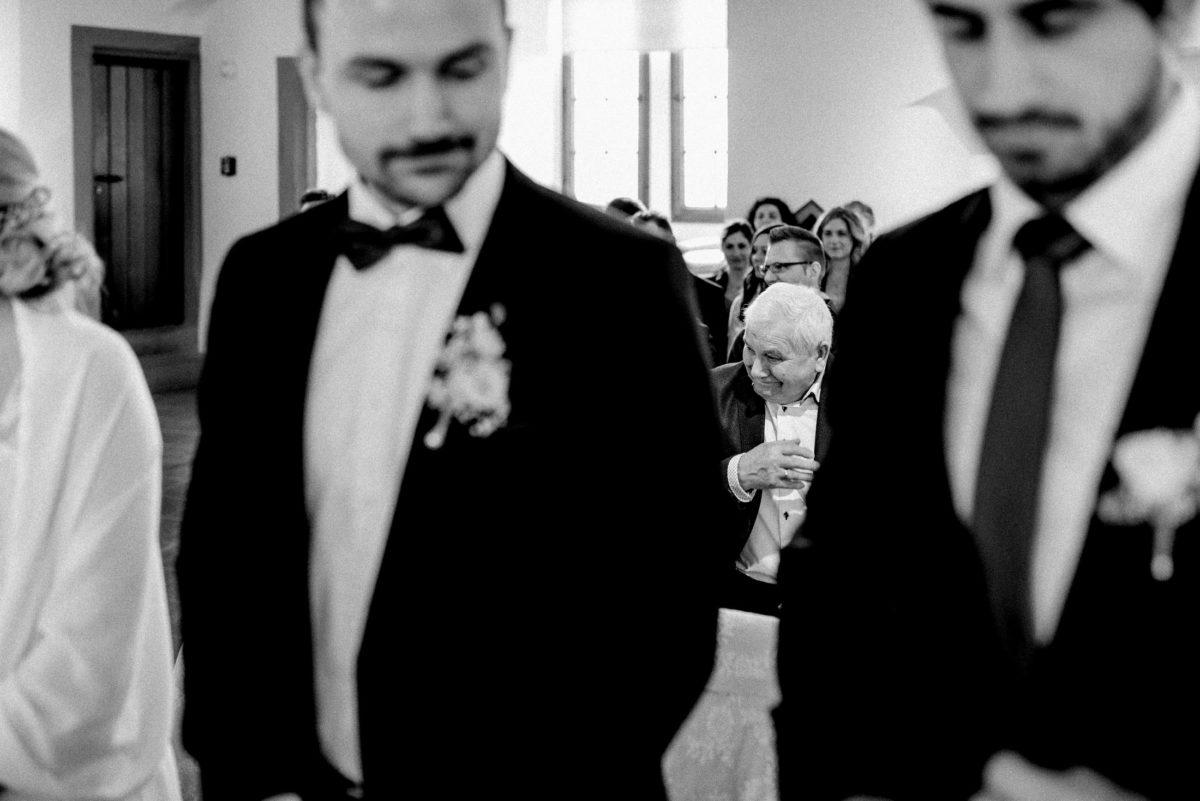 Glückstränen,Trauung,Hochzeit,Gast,Mann,Ansteckblumen Männer