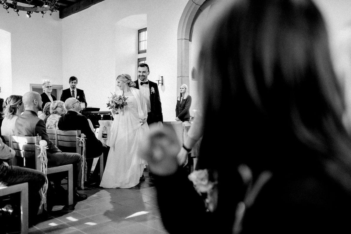 Ausmarsch Brautpaar,Steinbogen,Altbau,Burg,Standesamt