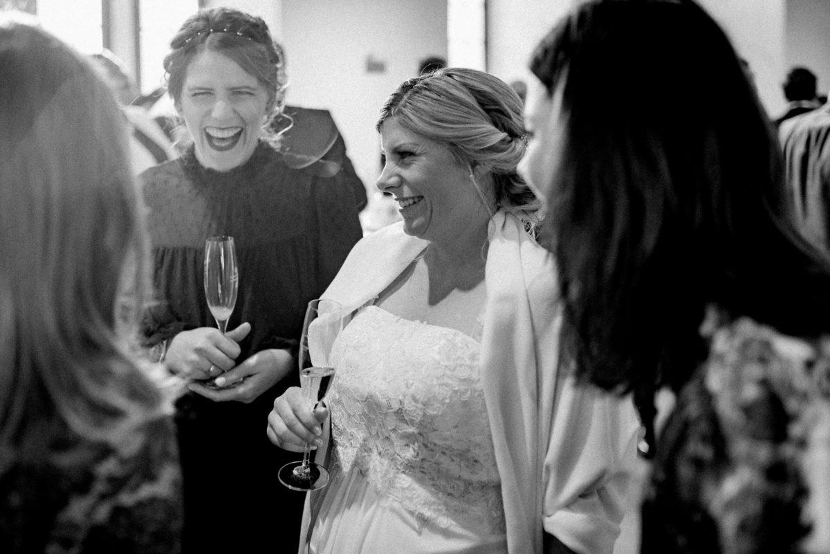 Gratulationen,Braut,schwanger,Sektempfang,Unterhaltung