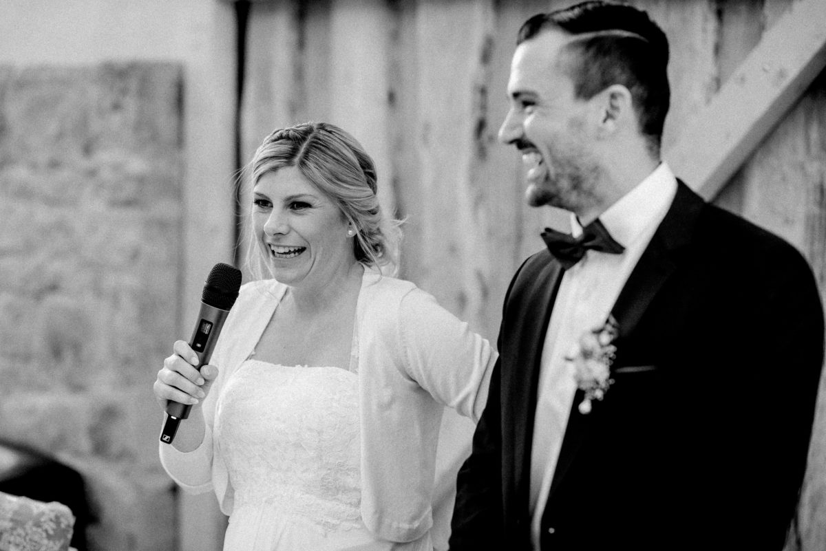 Ansprache,Braut,Bräutigam,Scheunentor,Mikrofon,