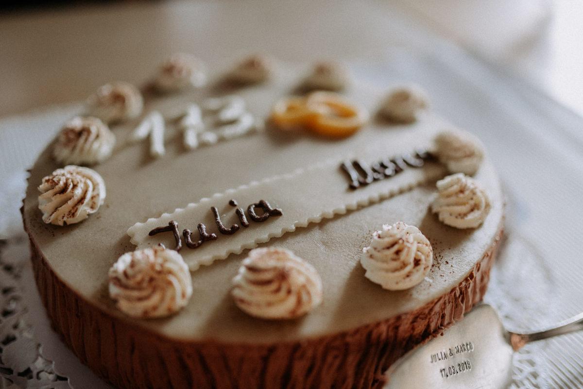 Julia und Marco, Hochzeitstorte,Tortenschaufel,personalisiert