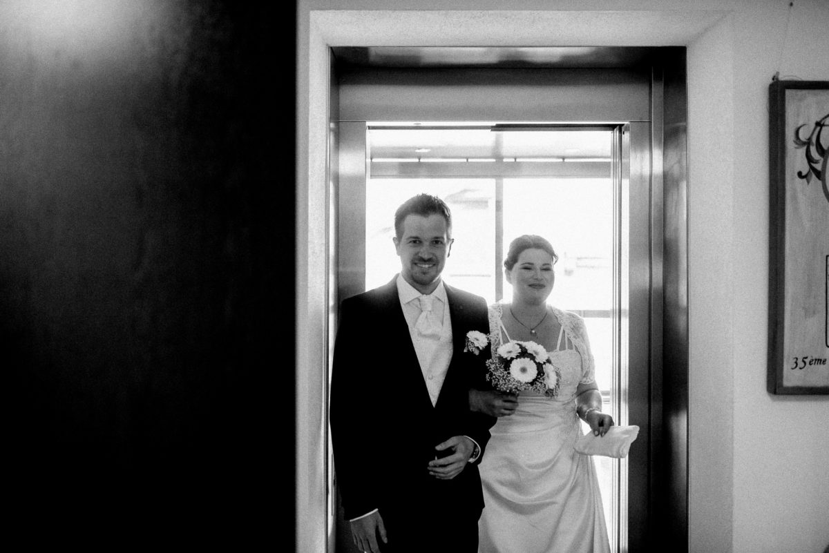 Brautpaar,Eingang,Standesamt,Tür