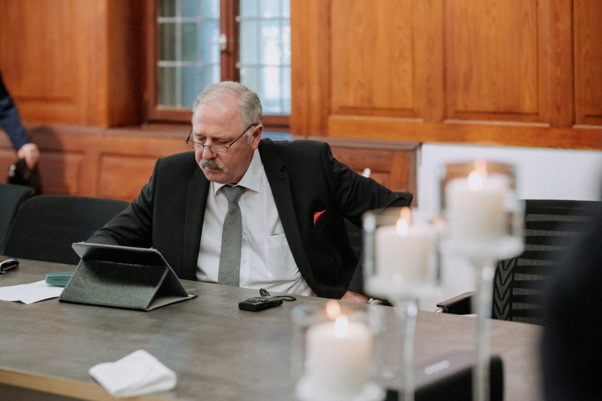 Standesamt,Rathaus Niedernberg,Mann,Tablet,Kerzen