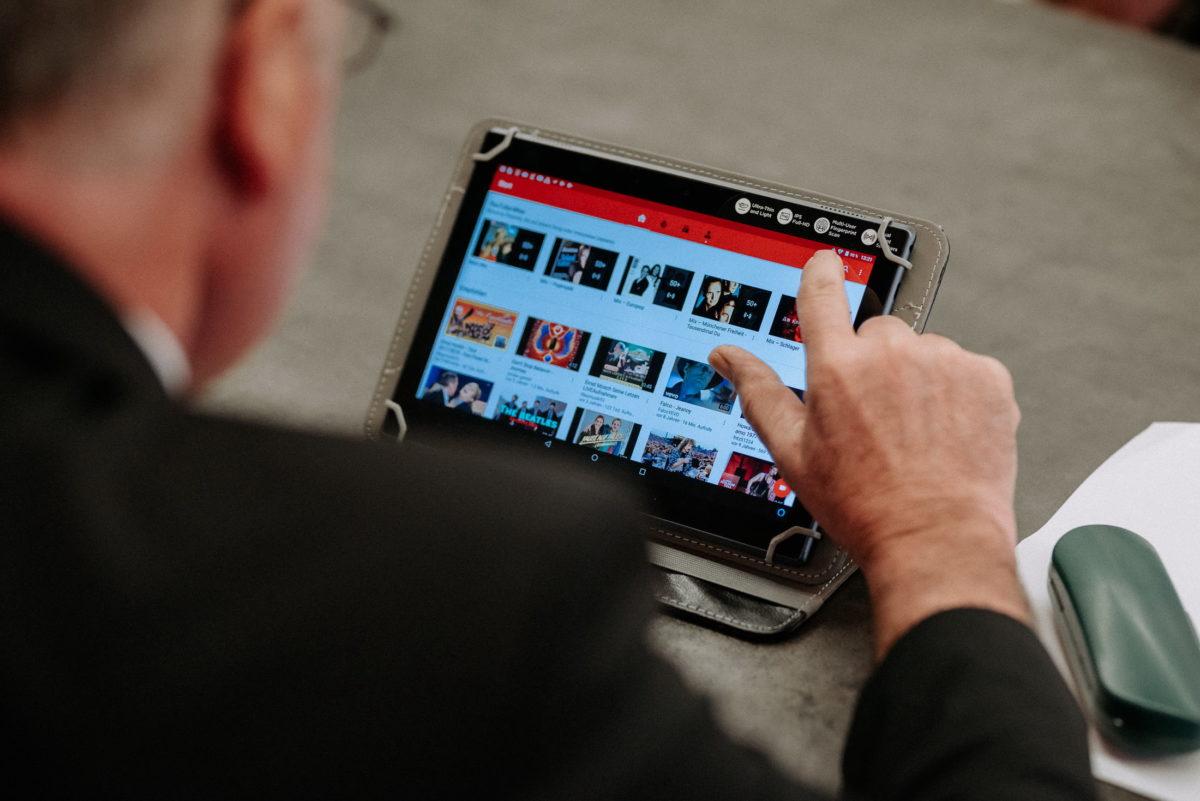 Tablet,youtube,Musik,Hochzeit,Trauung