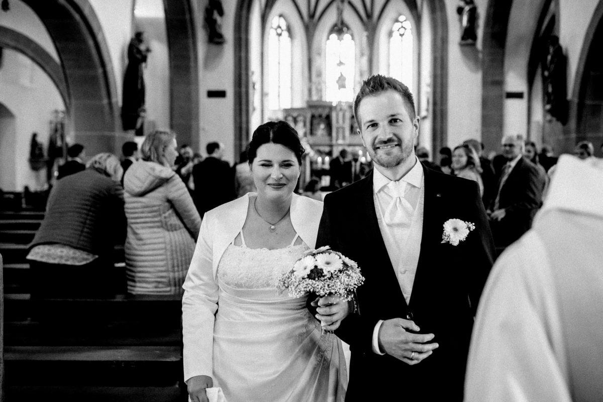 Wedding,Kirche,Brautpaar,glücklich,Ehering