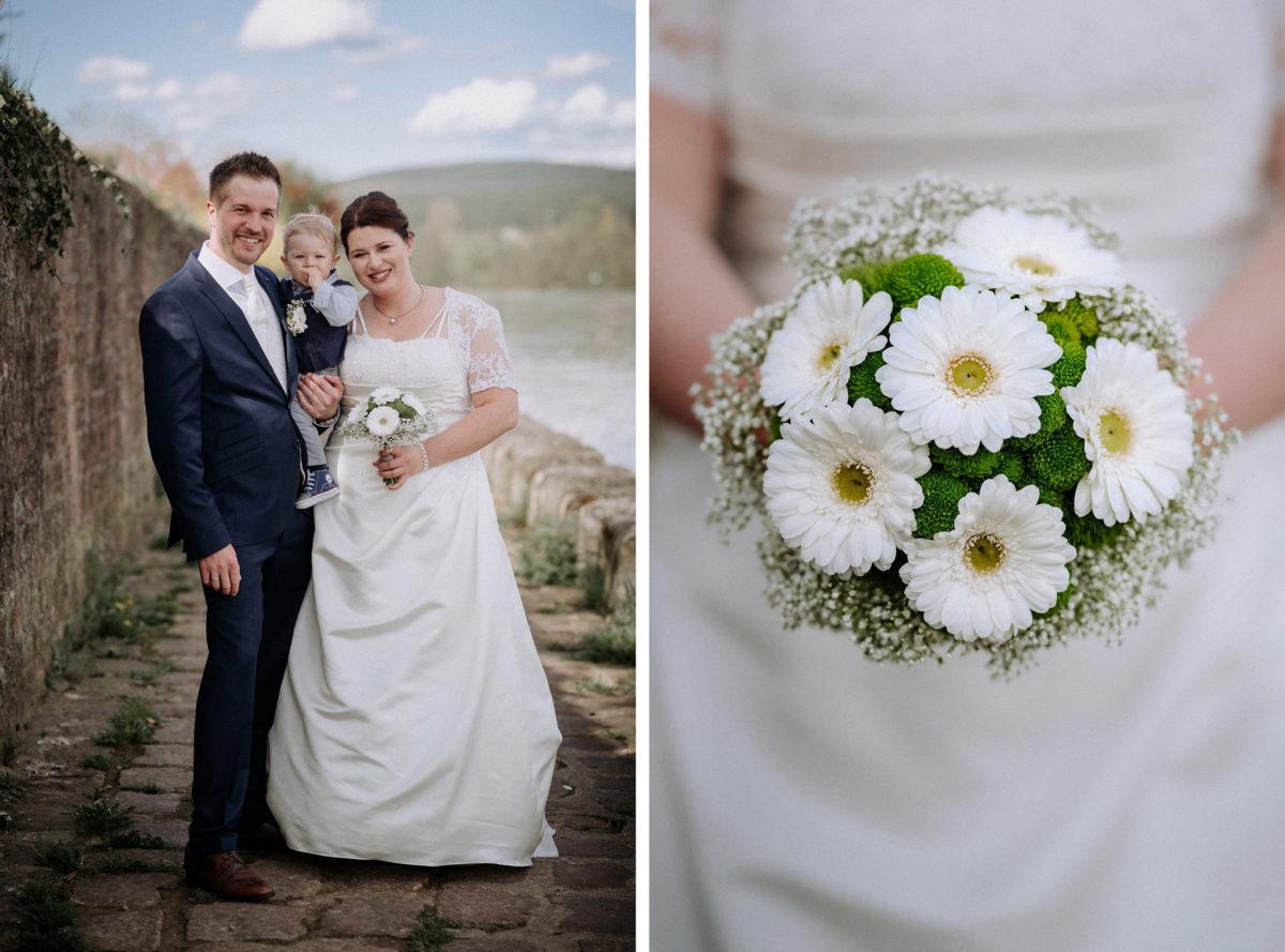 Familienshooting,Hochzeit,Taufe,Main,Steinmauer,Brautstrauß