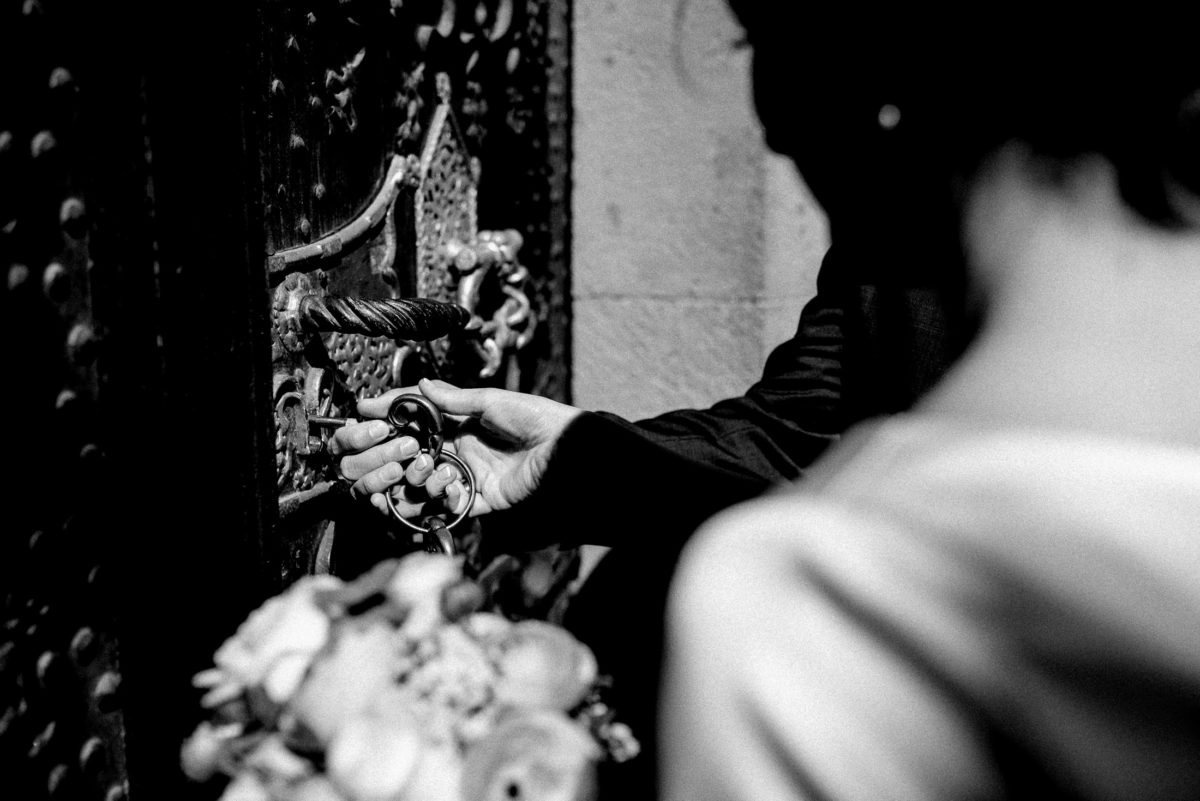 Rathaustor,Schlüssel,Tür,aufschliessen,Brautpaar,Wedding