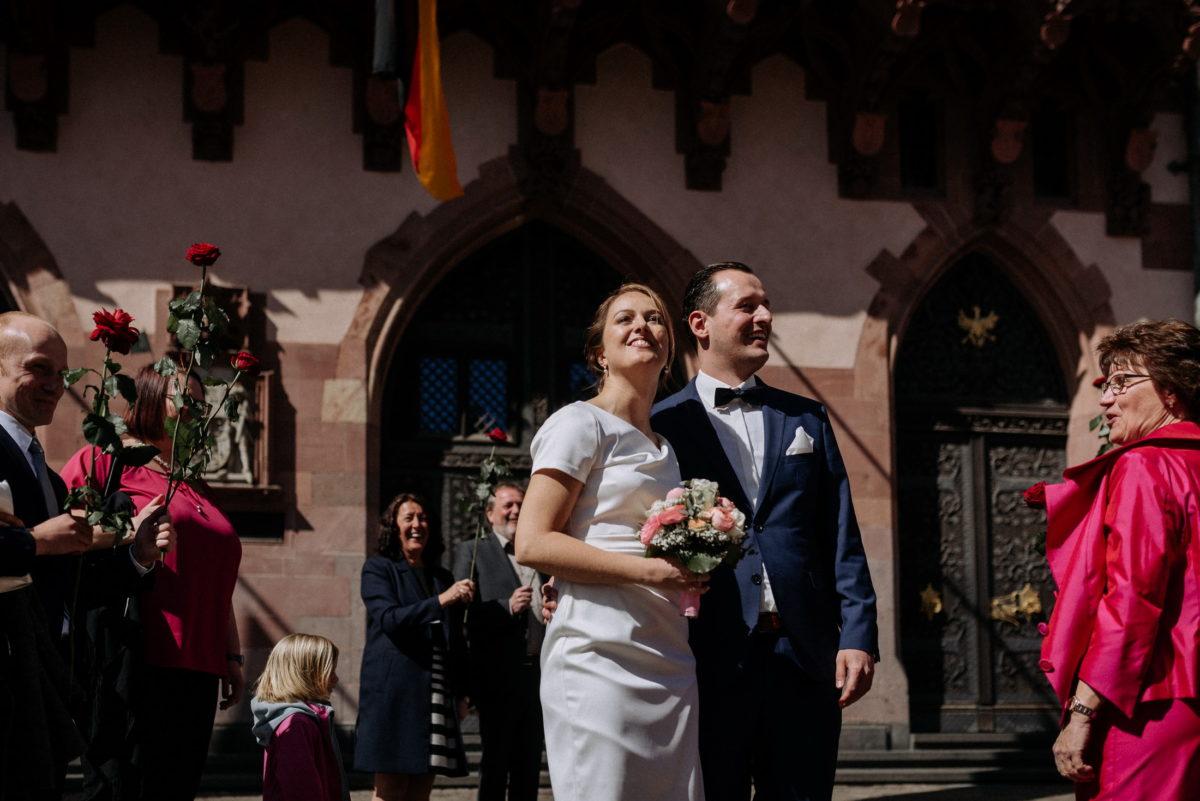 Rosenspalier,Hochzeitsgäste,Empfang,standesamtliche Trauung