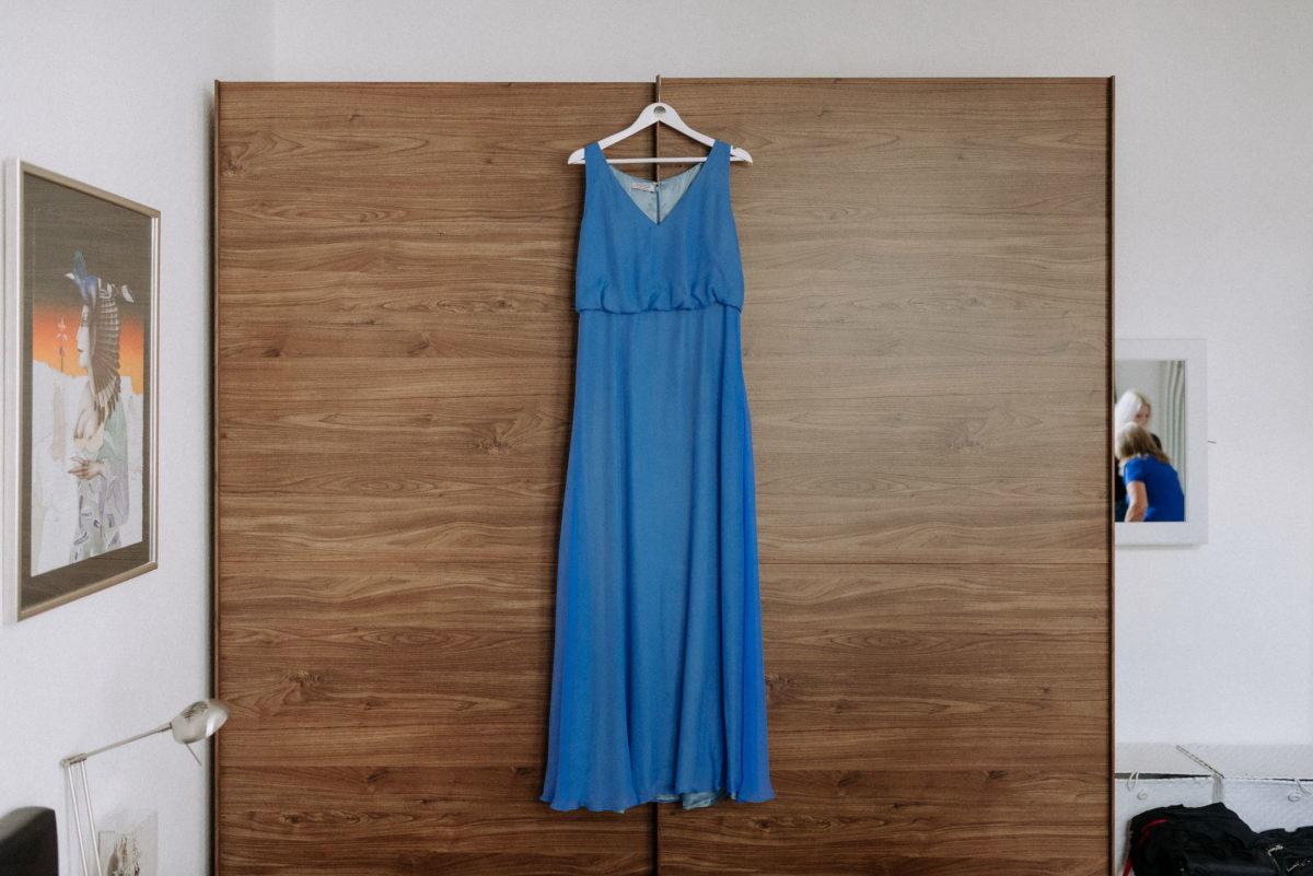 Kleiderschrank,blaues Kleid,Wandbild,Spiegel
