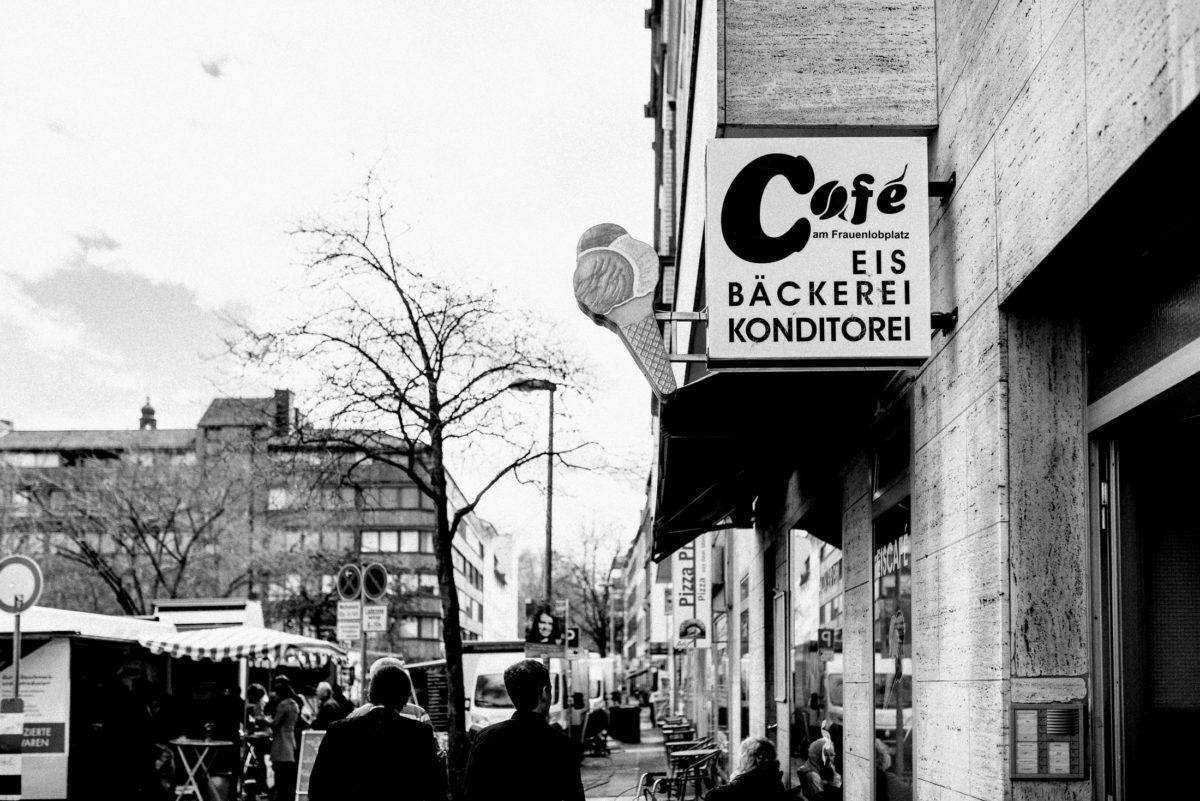 Strasse,Cafe,Eis,Bäckerei,Konditorei,Baum,Eiswaffel
