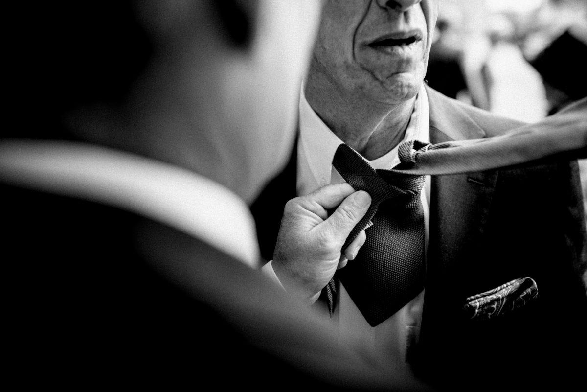 Krawatte binden,Mann,Einstecktuch,Hemd