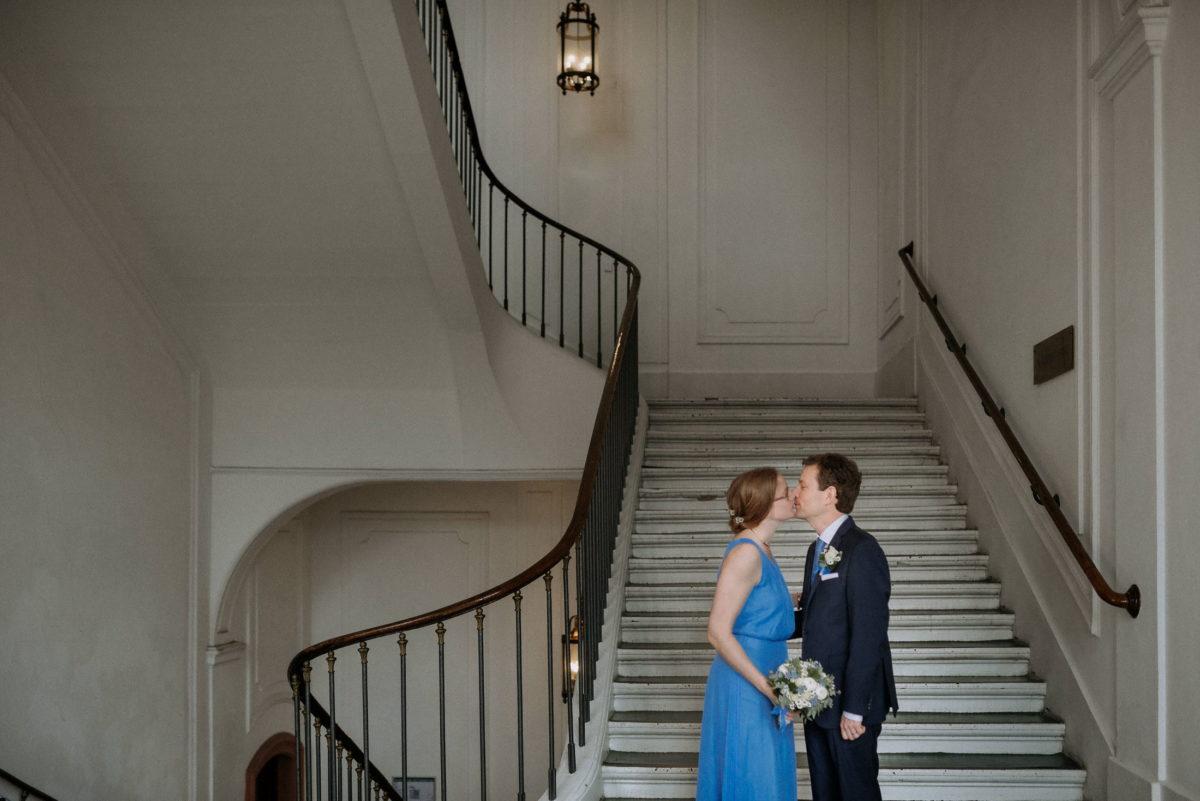 Treppenaufgang,Stufen,Geländer,Paar,Wedding