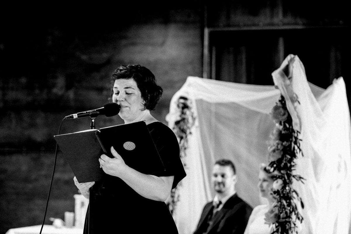 Simone Pfundstein,Mikrofon,Traurede,