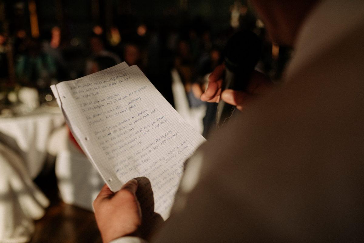 Notizen,handschriftlich,Hände,Mikrofon,ansprache