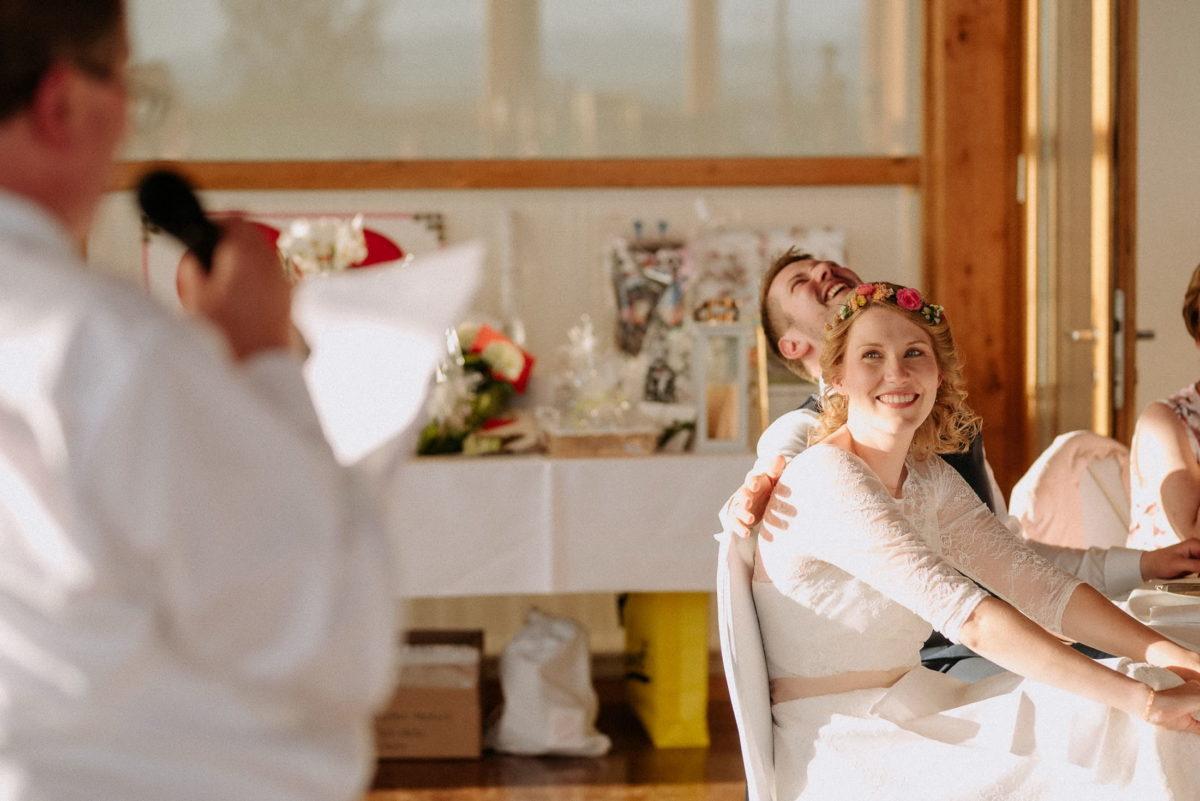 Geschenketisch,Hochzeit,Hochzeitsrede,lachen,Brautpaar