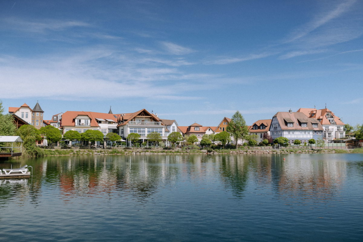 Seehotel Niedernberg,See,Wasser,Bäume,Ufer