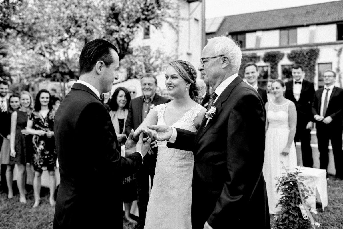 Brautübergabe,Vater,Braut,Bräutigam,