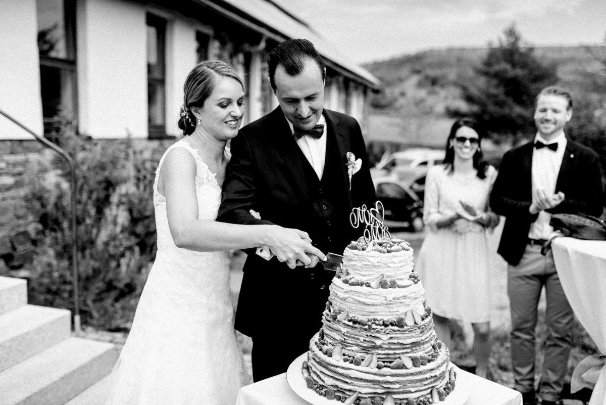 Hochzeitstorte anschneiden,Messer,Mr&Mrs,