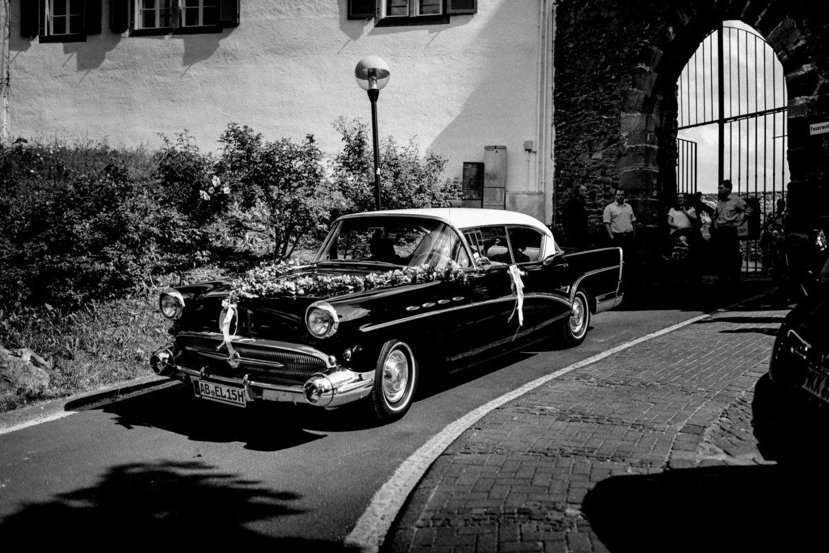 Oldtimer,Hochzeitsschmuck Auto,Burg Alzenau