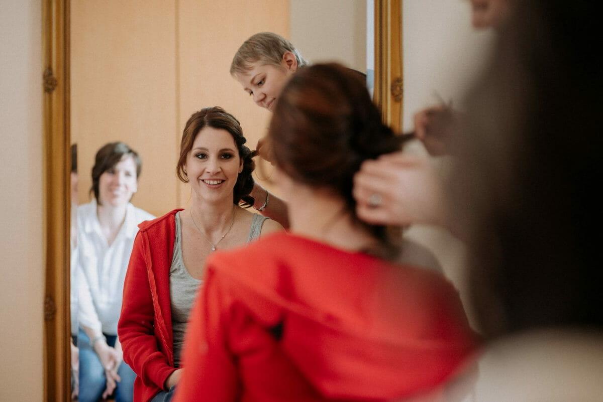 Haarstyling,Christine Raab,Brautfrisur,Spiegel