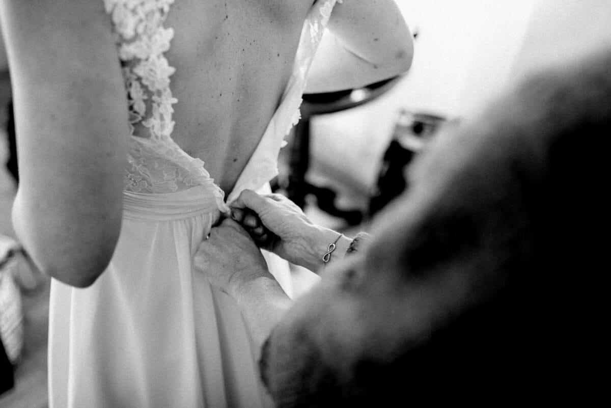 Rücken,Brautkleid anziehen,Reißverschluss,