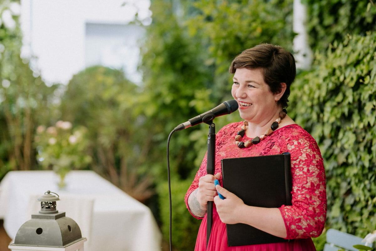 Simone Pfundstein,Traurednerin,Mikrofon,Windlicht