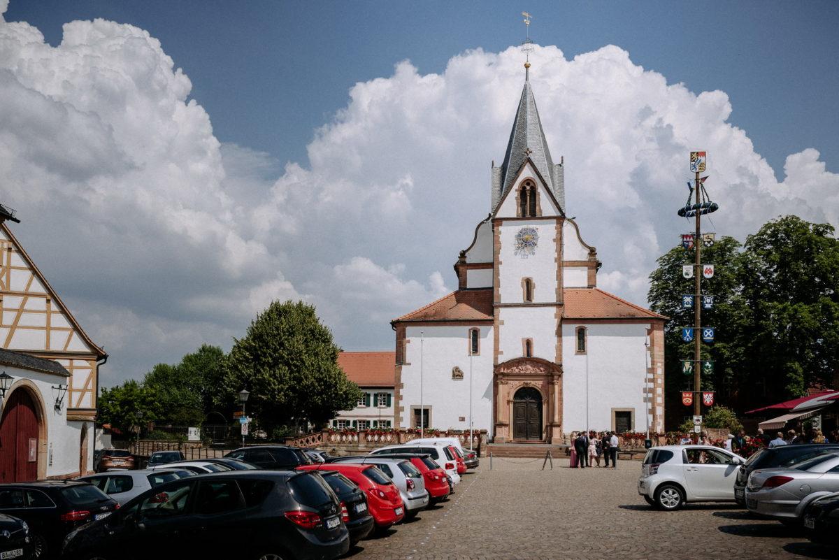 Kirche St. Peter & Paul Großostheim,Autos,Maibaum
