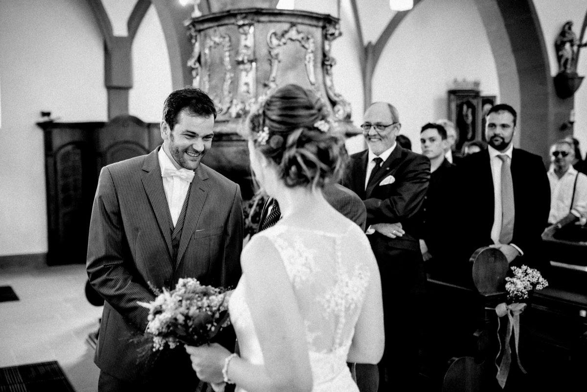 Braut,Bräutigam,kirchliche Trauung,Hochzeitsgäste,Empore
