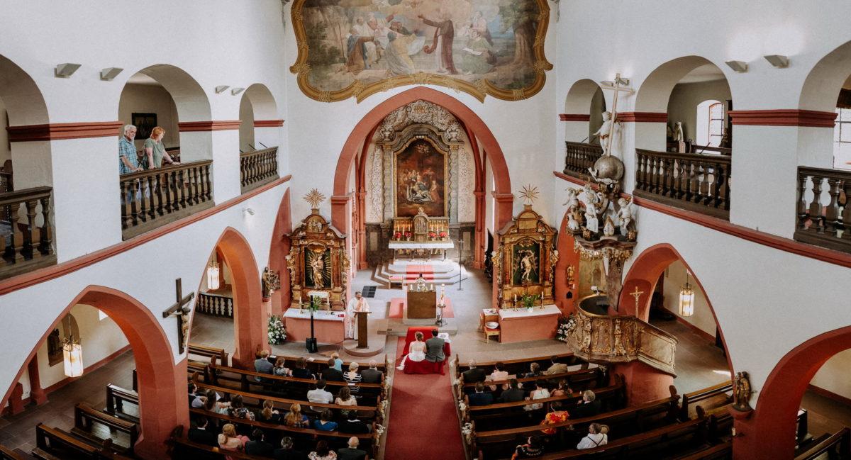 Kirche St. Peter&Paul Großostheim,Hochzeitsgesellschaft,kirchliche Trauung
