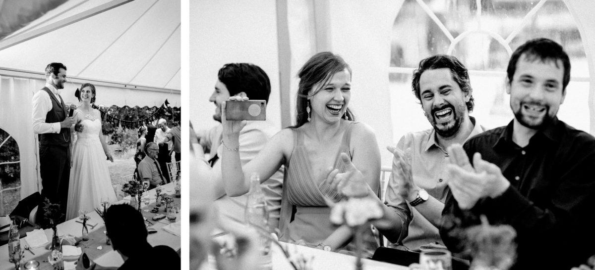 Hochzeitsrede,Handy.lachen,Brautpaar