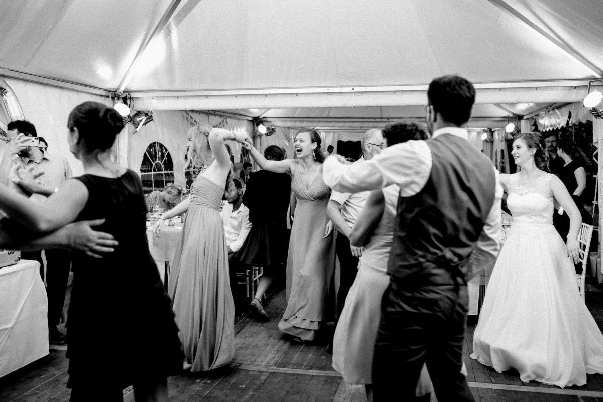 Hochzeitsgäste,tanzen,Tanzfläche,abrocken,tolle Stimmung