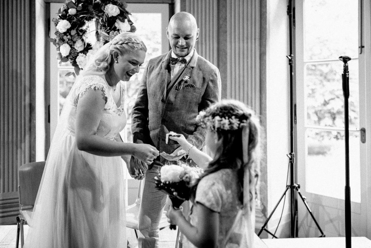 Brautmädchen,Ringetui,Haarkranz Blumen,Rosenkranz
