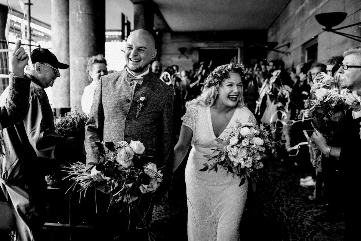 Brautpaar,Empfang,Bänder,Blumensträuße