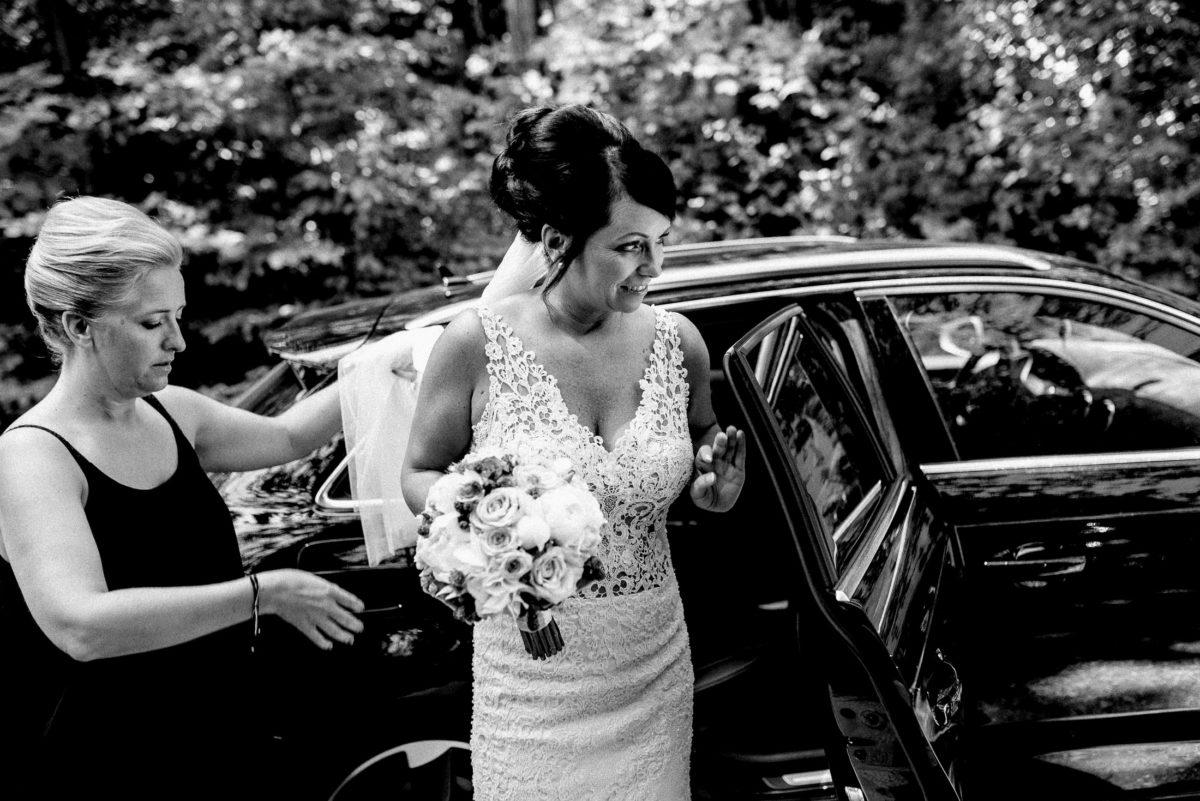 Brautkleid mit Spitze,Frauen,Brautstrauß,Kleid