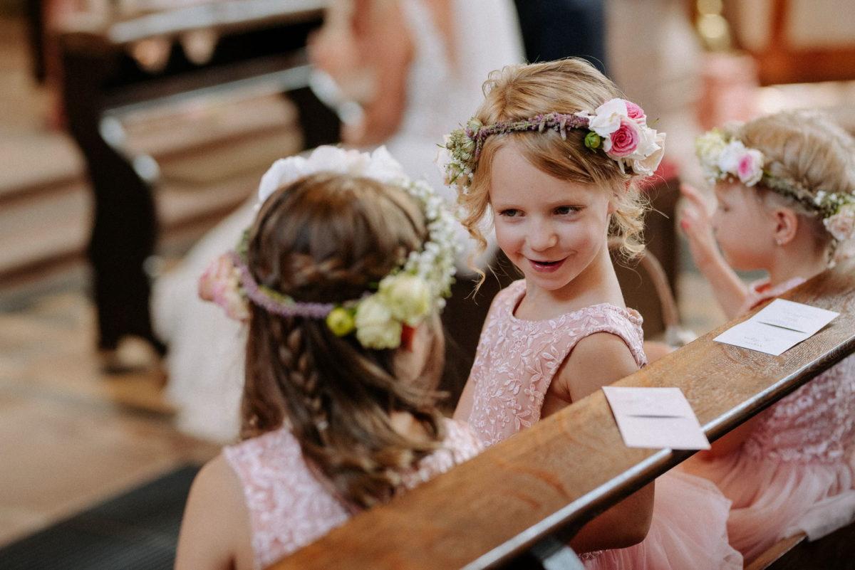 Blumenmädchen,Blumenkranz im Haar,