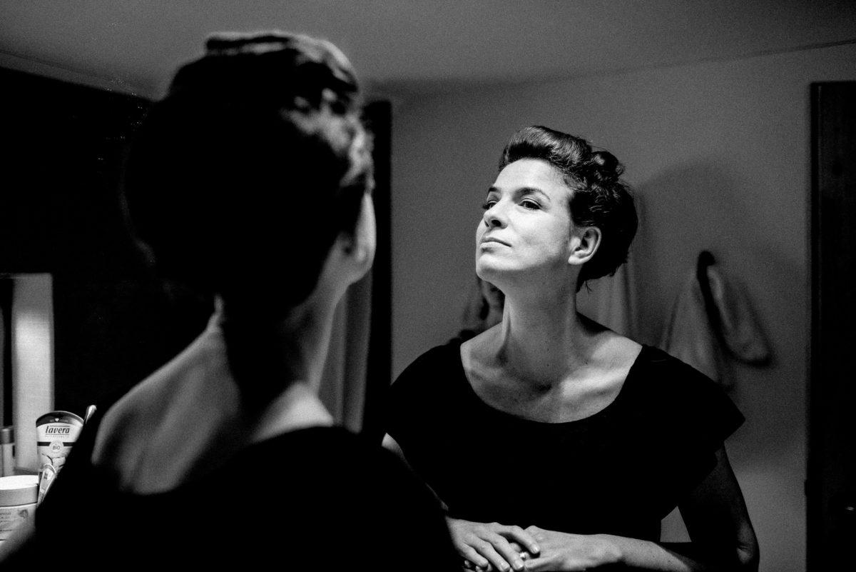 Spiegelbild,begutachten,Frau,