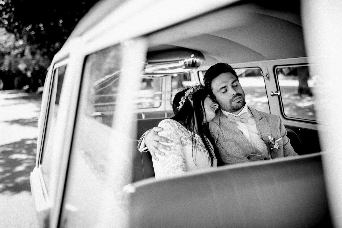 Liebe, Geborgenheit, Auto, Bus, Innen, Spitze, Polster, Sitze, Blumenkranz, Ansteckblume, Hochzeit, heiraten